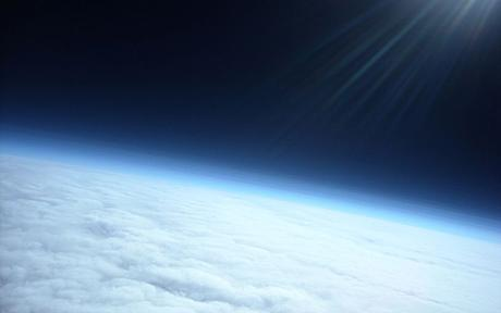 Школьники запустили метеозонд вкосмос