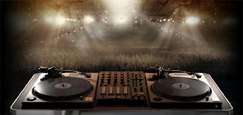 """""""DJ Hero""""— новая игра отсоздателей «Героя гитары»"""